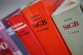Deutsche Gestzbücher im Regal