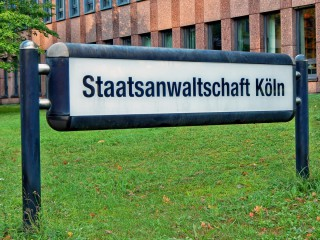Eingangsschild von der Staatsanwaltschaft in Kölln